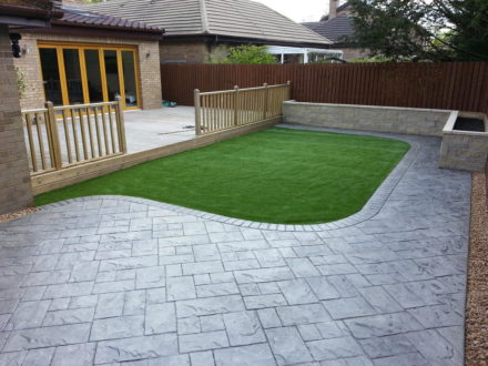 Garden Landscaping - Using artificial lawns, turf and garden walls we can transform your garden into a beautifully natural, stylish and attractive landscape built to last for years to come.